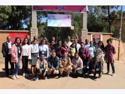 Symposium des jeunes sur la paix et élection